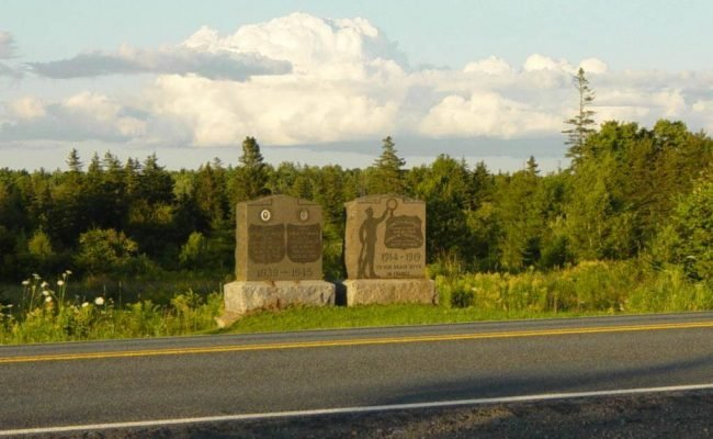 Nine Mile River, Nova Scotia: war memorial monument -5