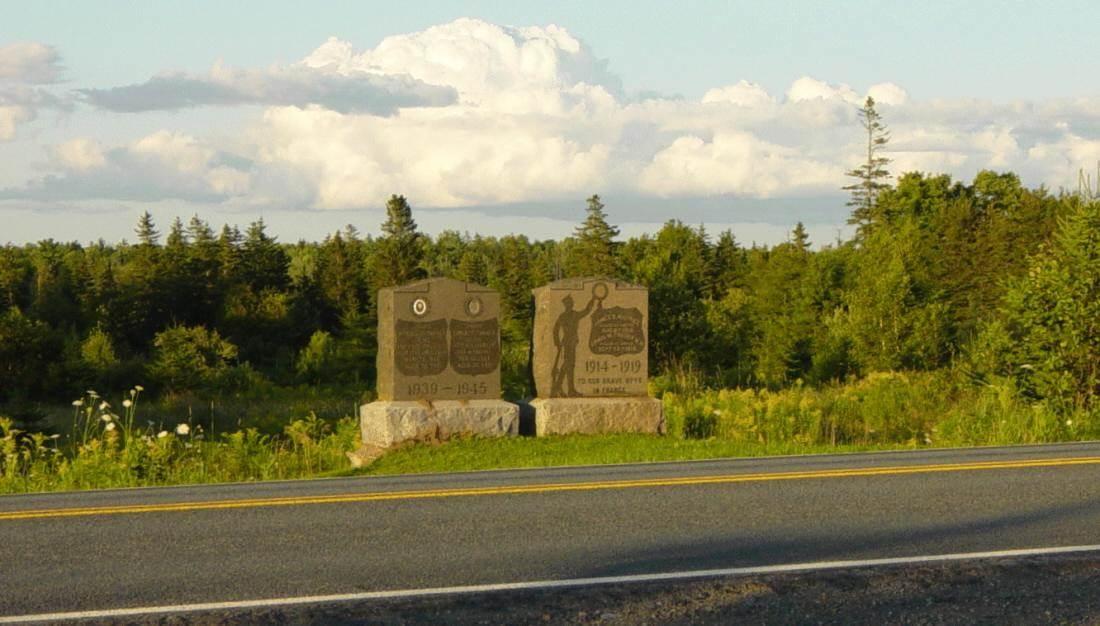 Nine Mile River, Nova Scotia: war memorial monument -5