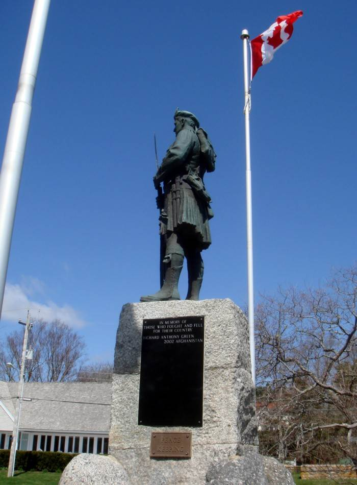 Chester: war memorial monument, south face