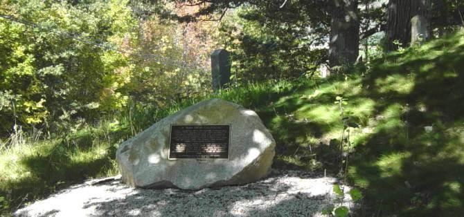 Perez Coldwell memorial, Gaspereau -3