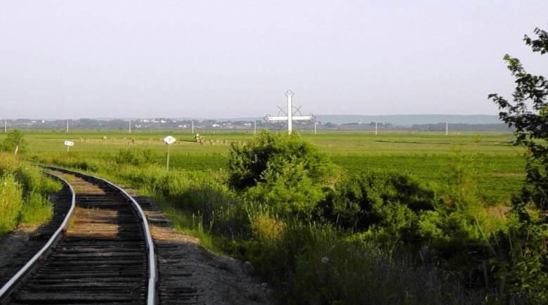 Horton Landing: Iron Cross monument