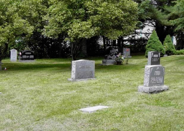 Arthur Kennedy's tombstone