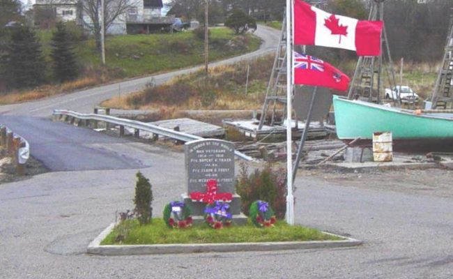 Little River war memorial, Rememberance Day 2005 -12