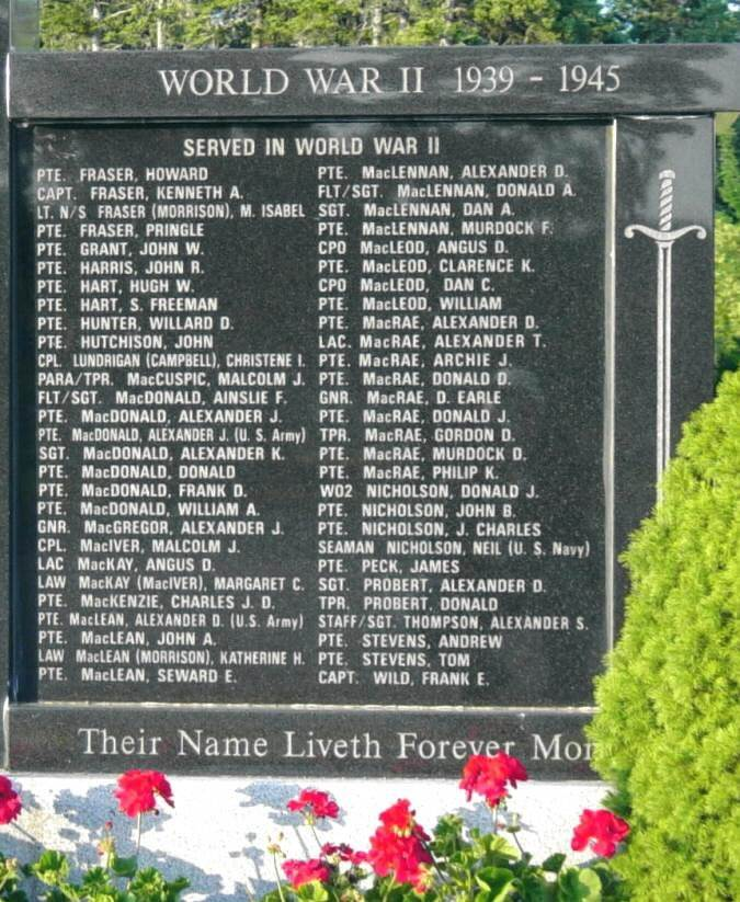 Middle River: war memorial monument