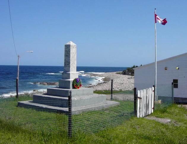 Neils Harbour: war memorial