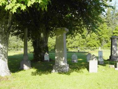 Minudie: Amos Peck Seaman tombstone