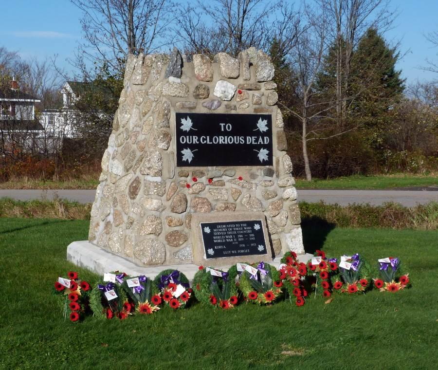 Smiths Cove war memorial -6