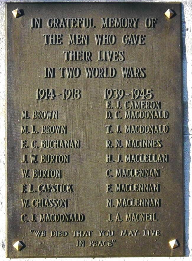 South Harbour: war memorial plaque -2